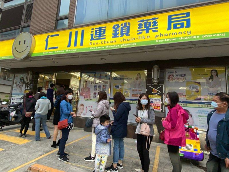 新竹縣4月15日起每日將增加200片兒童口罩,優先在竹縣兒童口罩比較不足的地區販售。圖/新竹縣府提供