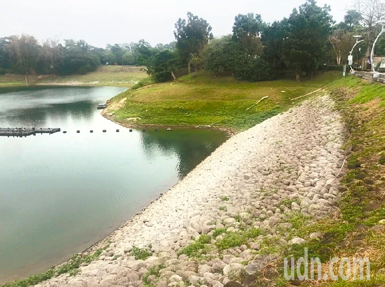 蘭潭、仁義潭水庫供給嘉義縣市民生和工業用水。本報資料照片