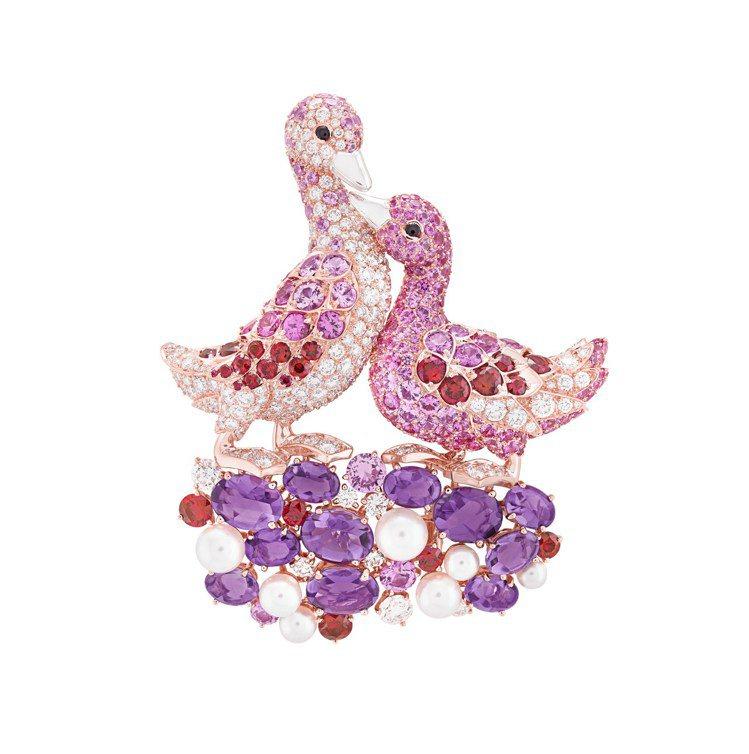 梵克雅寶Canards胸針,玫瑰金與白K金鑲嵌粉紅色剛玉、紅寶石、紫水晶、黑色尖...