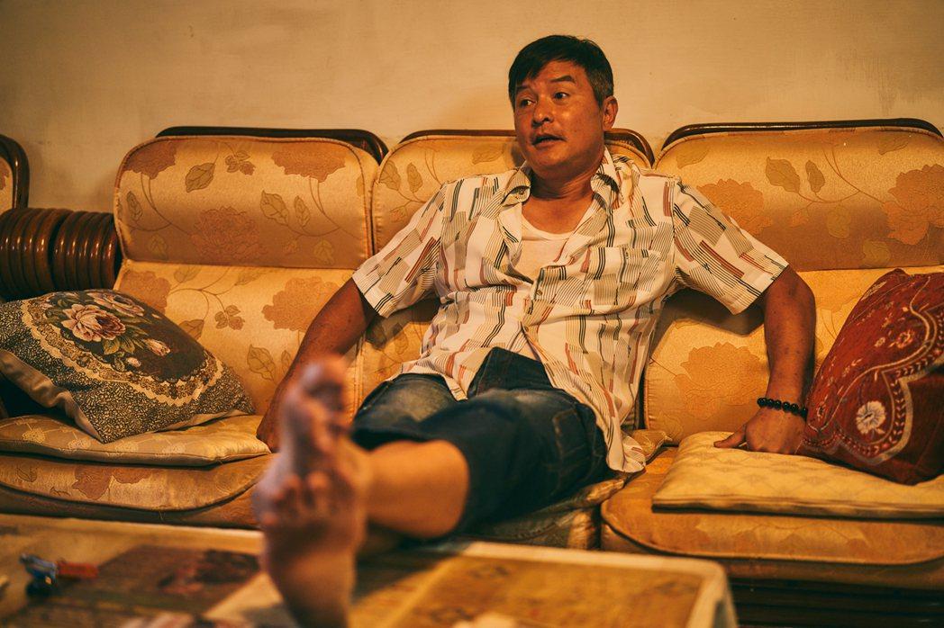 李銘順在「做工的人」戲中和以往形象大不同。圖/HBO Asia提供