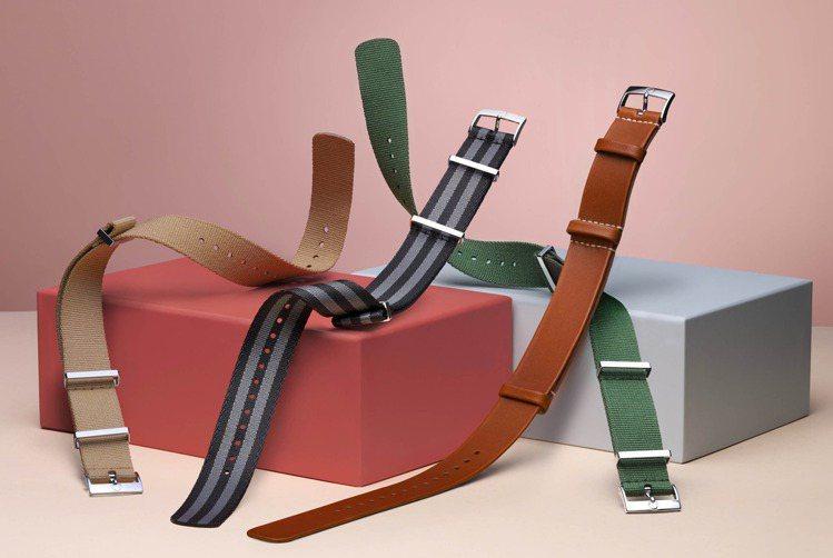 OMEGA推出的單色、雙色、多色的NATO尼龍表帶,共有近50種選項並可選擇寬度...