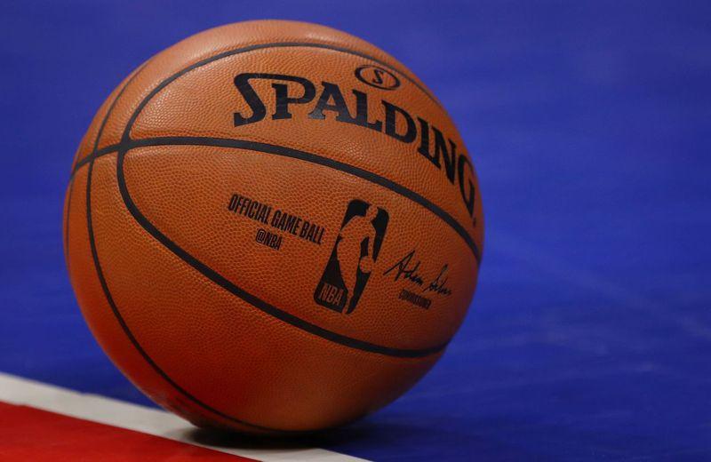美國總統川普徵詢NBA主席、MLB主席與球團老闆等體壇大老,希望讓職業運動賽事盡快恢復到人們的日常生活中。 法新社