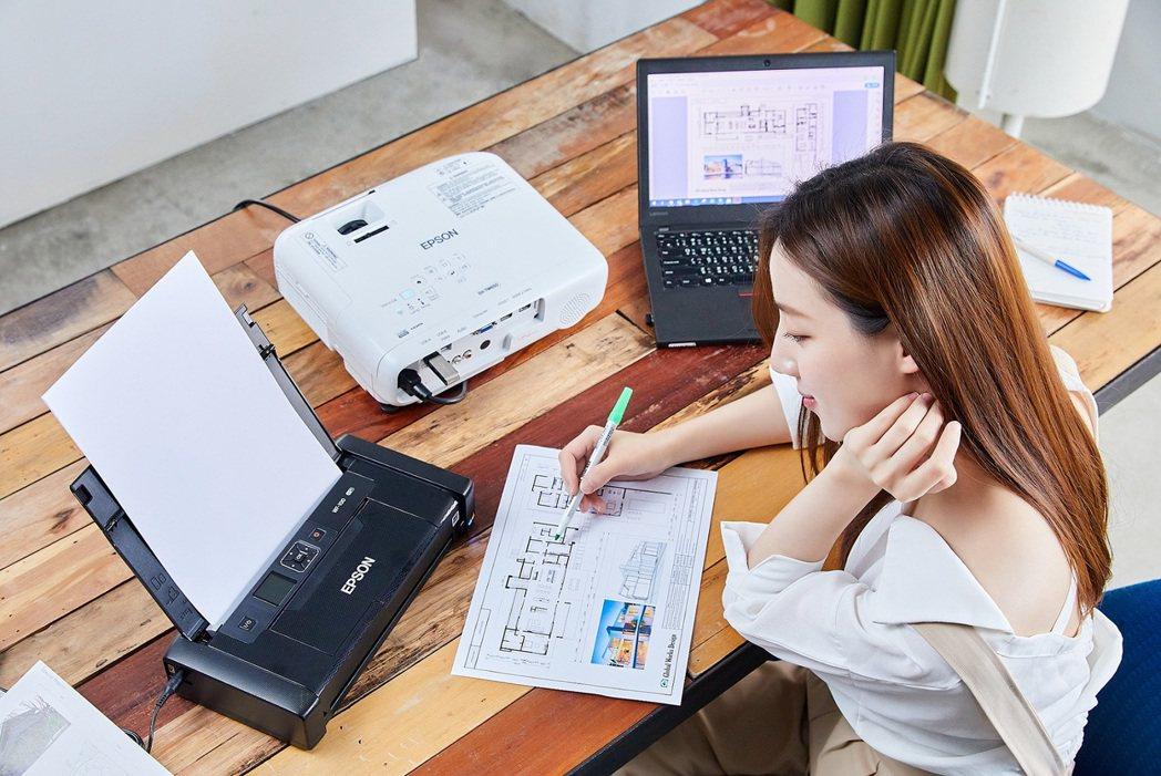 世界最輕小的Epson WF-100彩色噴墨行動印表機,可隨身攜帶,行動辦公室一...