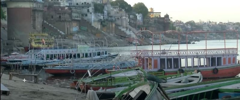 全國封鎖後,印度恆河水變乾淨。圖片來源/ youtube
