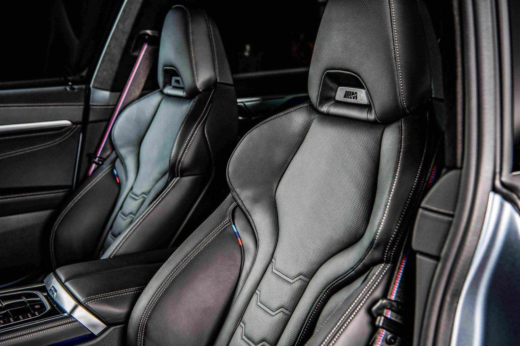 BMW Individual Merino真皮M款跑車座椅更添車室運動氛圍。 圖...