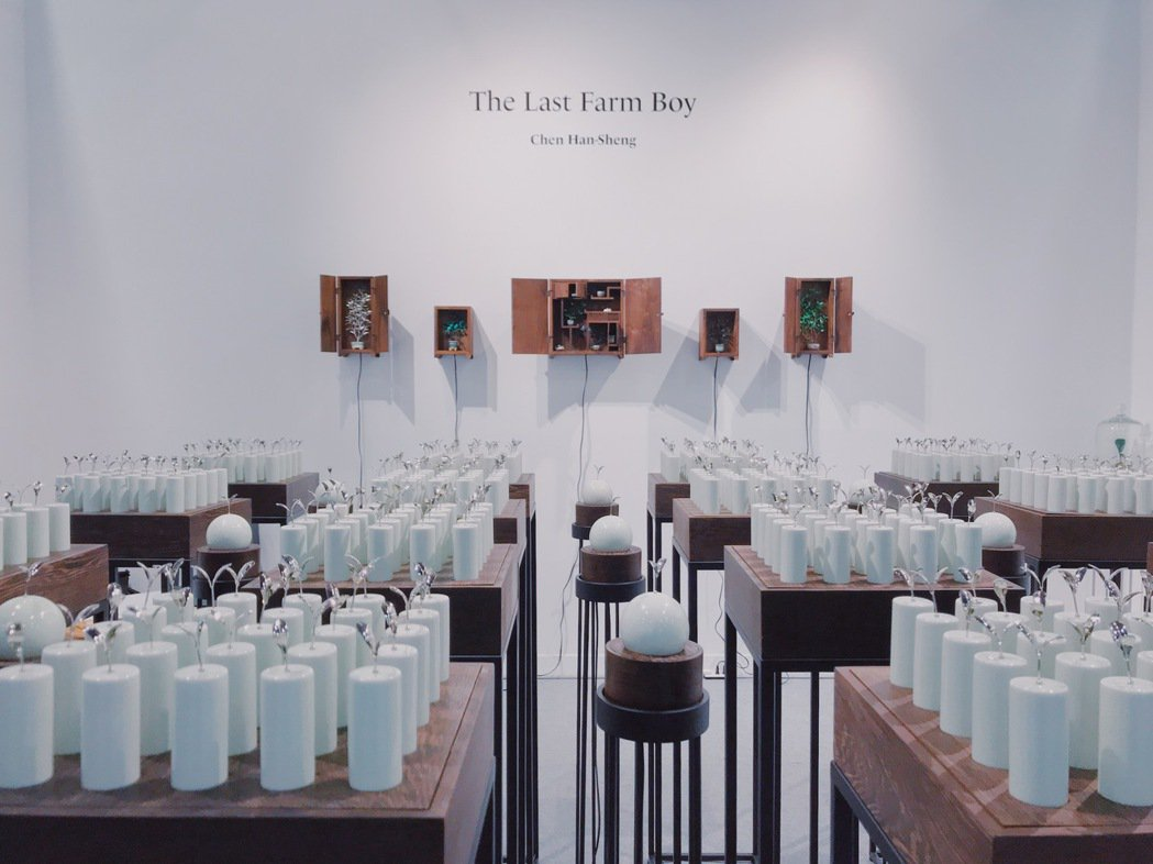 台北藝術博覽會「MIT新人推薦特區」以一家畫廊媒合一位新銳藝術家的方式呈現。 圖...