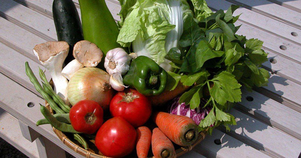 「攝取天然、完整,沒有加工精製過的食物,就叫做『全食物』。」 圖/摘自綠主張月刊