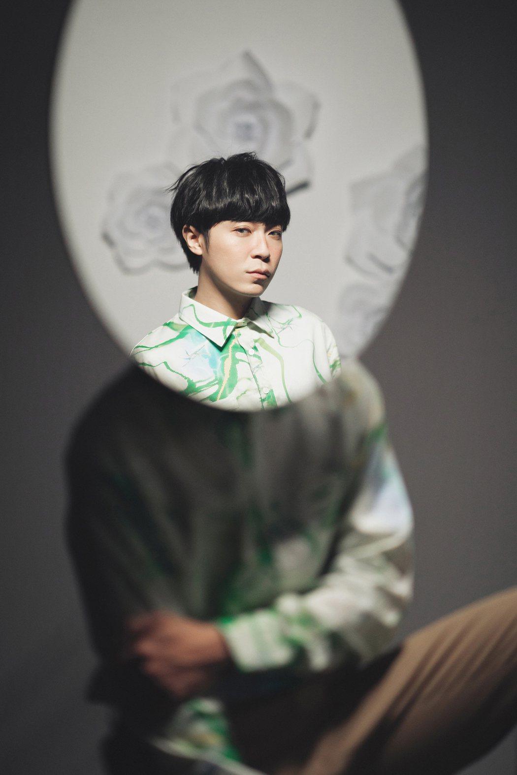 吳青峰推出「太空人影展」。圖/環球音樂提供