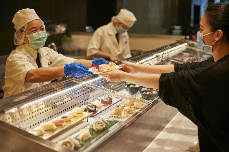 台北寒舍艾美酒店探索廚房推出「無夾服務」。圖/台北寒舍艾美酒店提供