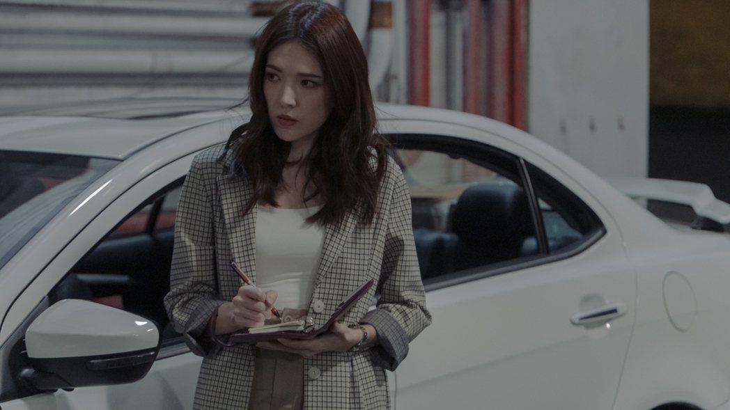 許瑋甯在「誰是被害者」中飾演一名為搶獨家不擇手段的社會線記者。圖/Netflix