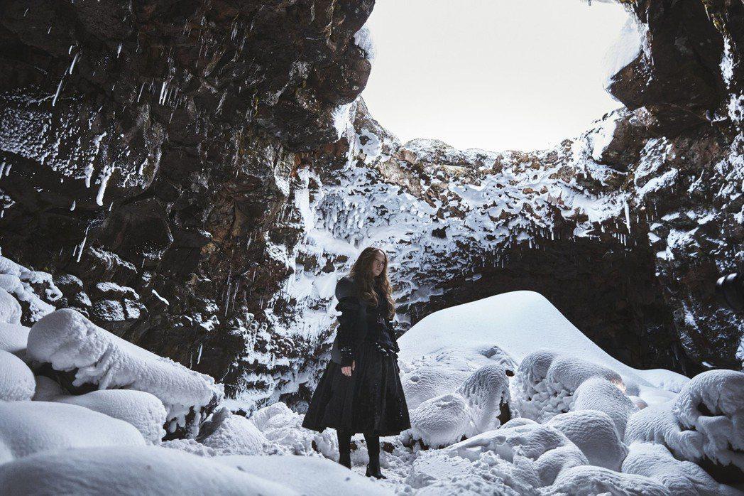 王菀之前往冰島拍攝MV,一度冷到哭。圖/寰亞唱片提供