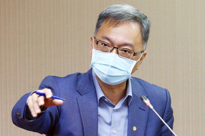 衛福部次長薛瑞元表示,目前並未要求回台國人上機前提供健康證明。記者杜建重/攝影