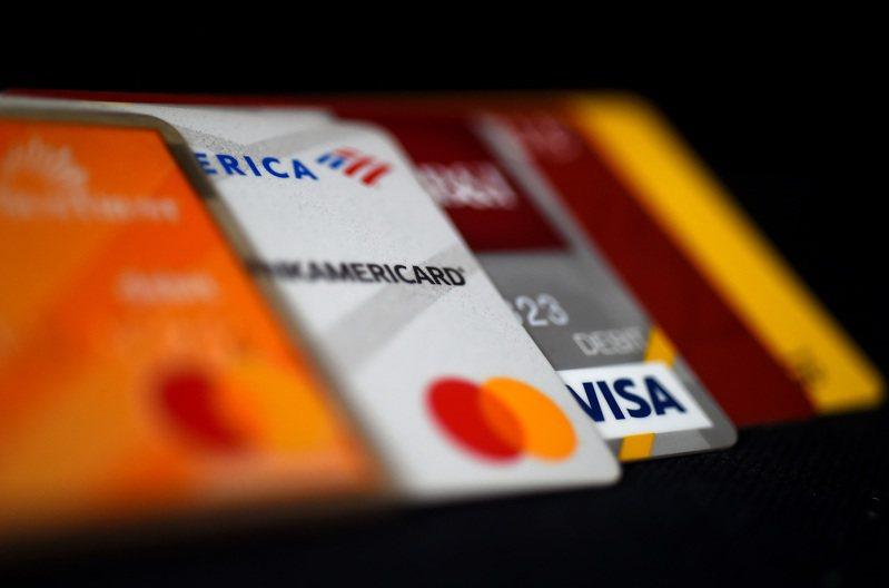 房客刷卡付房租,再慢慢償還卡債。 路透