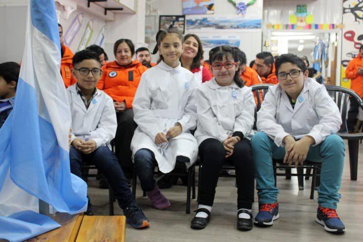 阿根廷目前唯一仍正常上課的學校位於南極的埃斯佩蘭薩基地。 圖/lanacion網站