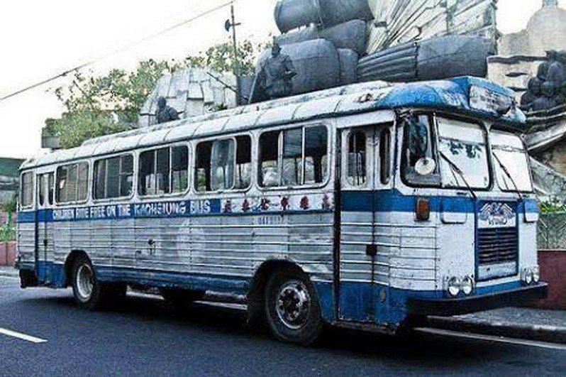 宿霧市長拉貝拉說,12輛高雄公車將停放在宿霧市各重點區域,違反強化社區隔離規定者必須上公車聽2019冠狀病毒疾病(COVID-19,新冠肺炎)講習。圖翻攝自拉貝拉(Edgardo Labella)