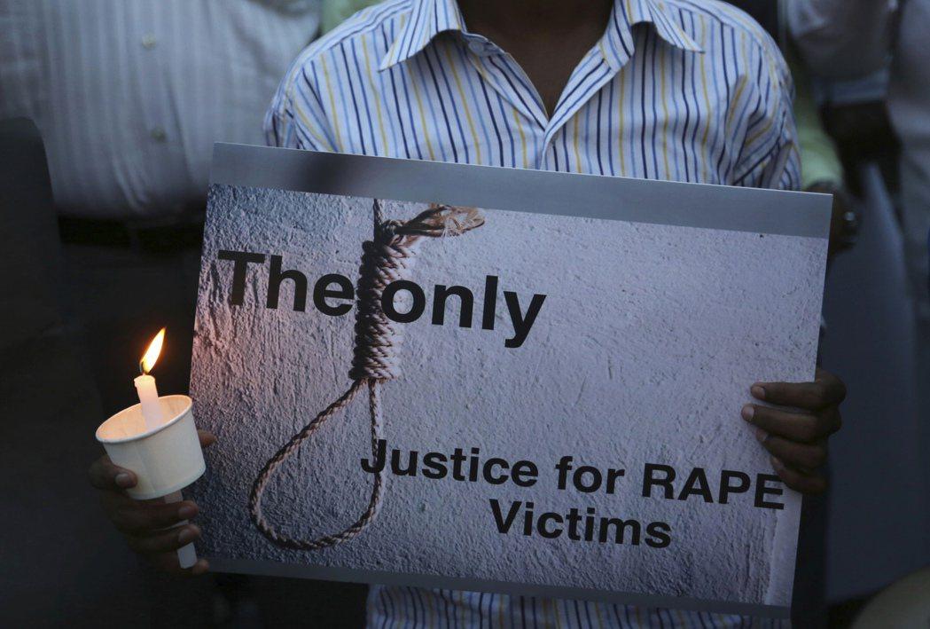 性別暴力所涉及的其實是「展現權力」和「控制」的慾望。攝於2018年4月,印度邦加羅爾。 圖/美聯社
