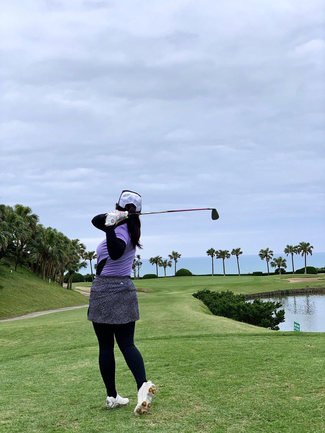 高爾夫知名頻道羅開女主播葉怡君就很喜歡造訪北海球場。 陳志光/攝影