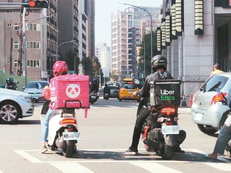 有部分車主會使用Gogoro從事外送,實際上可能已經違反「騎到飽」合約規定。記者陳易辰/攝影