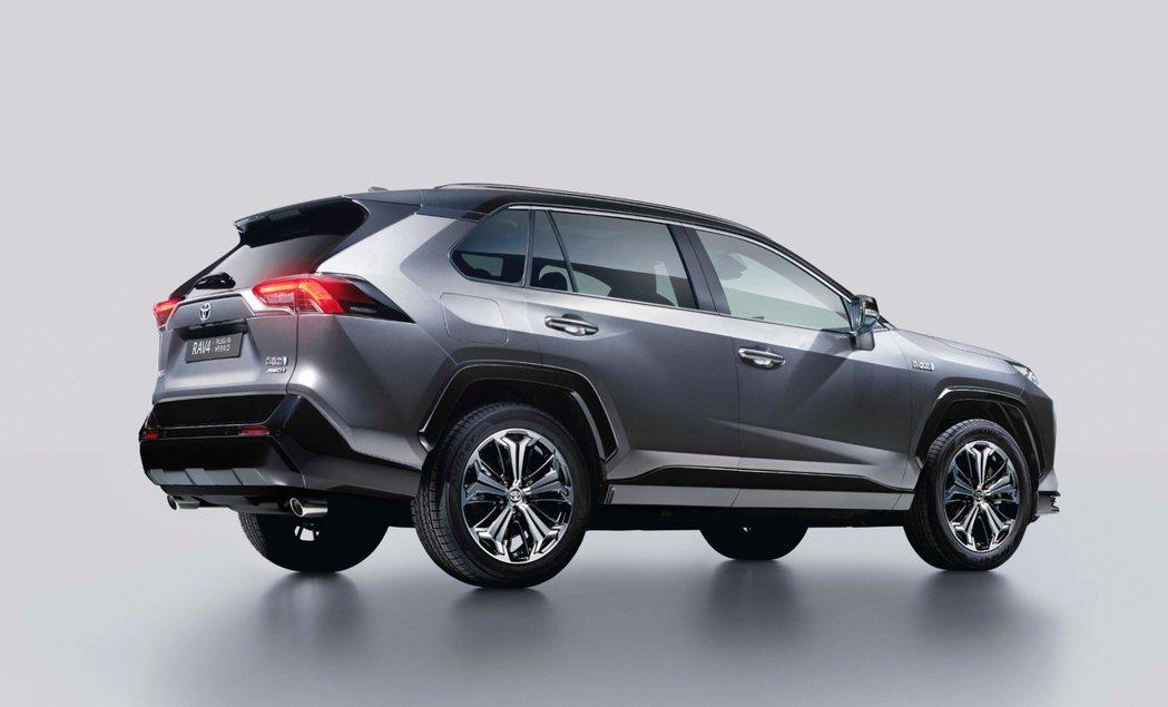 據傳全新Lexus NX450h+可能會與RAV4 Prime共用同一套插電式油...