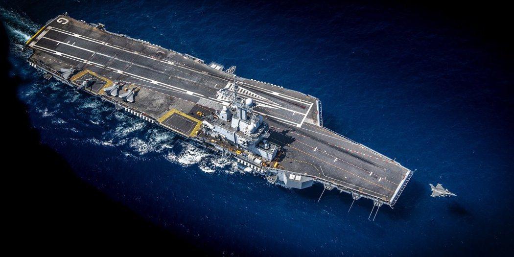 一路在海上航行的戴高樂號戰鬥群,過去一個多月來是發生什麼事?艦上感染的問題,為何...