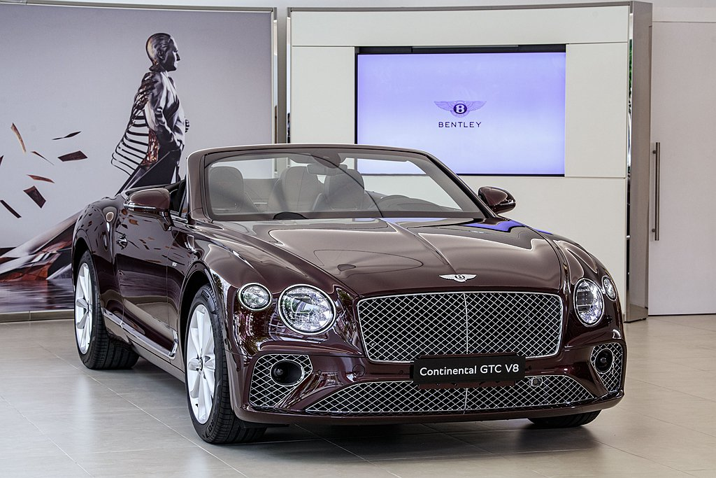 全新第三代Bentley Continental GT V8,不僅延續Conti...