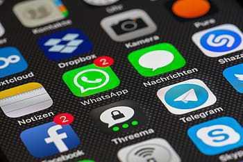 世界上沒有一個通訊軟體是100%安全的,如何兼顧功能性和安全,是當前各國政府遭遇到的兩難。(Photo by Pxfuel)
