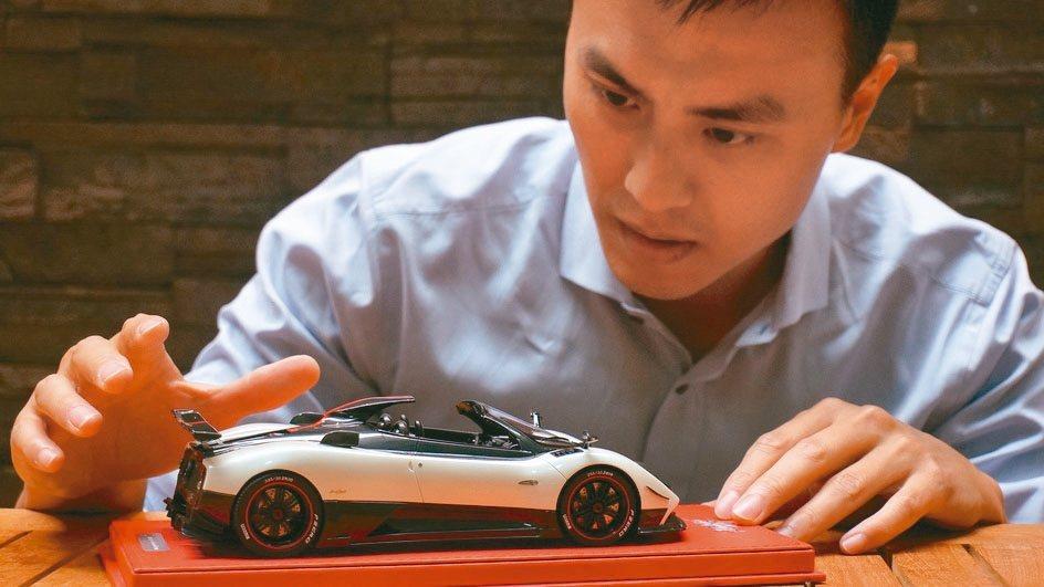 樹脂模型車的零件製作細節,比合金模型車更精緻,單價也更高。圖為Pagani ci...