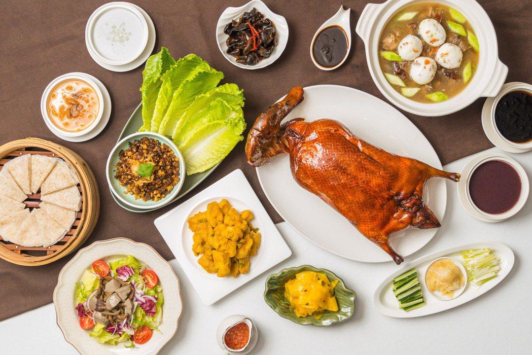 九華樓烤鴨四人分享餐。 華泰王子大飯店/提供。