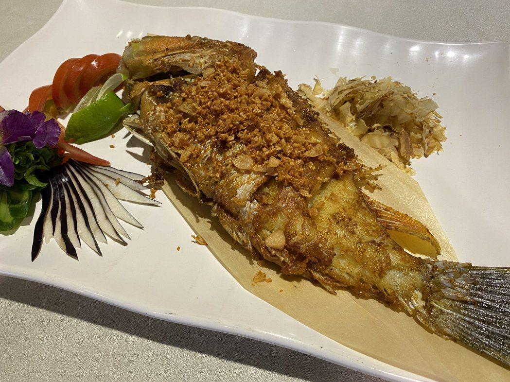 「乾煎石鮱魚」,厚實的魚肉確相當細緻,讓人停不下筷子。蘇璽文/攝影