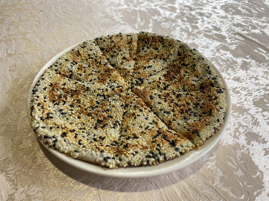 「豆沙鍋餅」則是最佳選擇,細薄麵衣,塞滿紅豆沙,為飽餐後劃下完美句點。蘇璽文/攝...