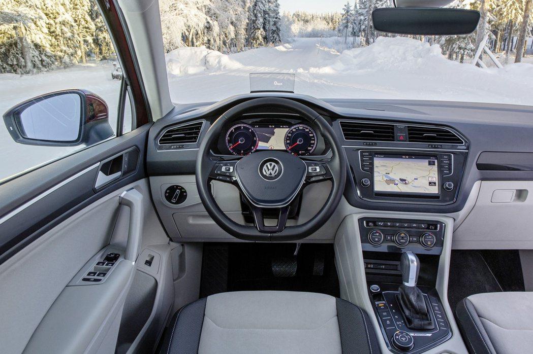 現行第二代Volkswagen Tiguan內裝。 摘自Volkswagen