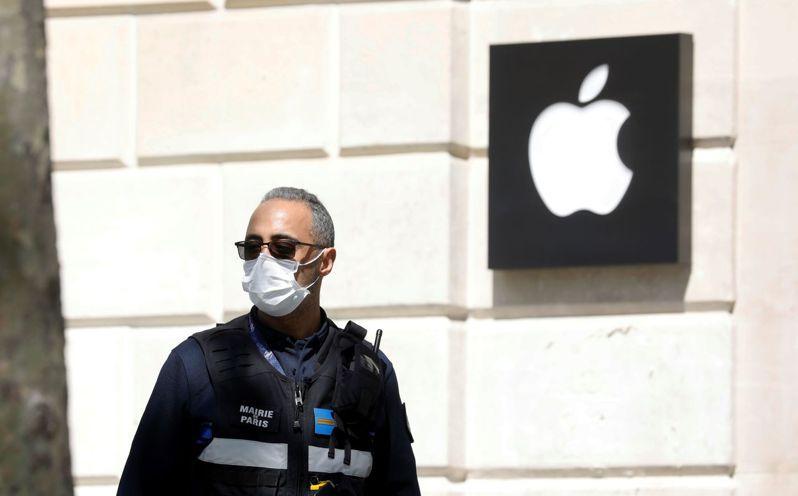 庫克表示,新款MacBook、iPad Pro、iPhone SE最近幾周陸續推出,表明蘋果並未讓疫情干擾產品上市。路透