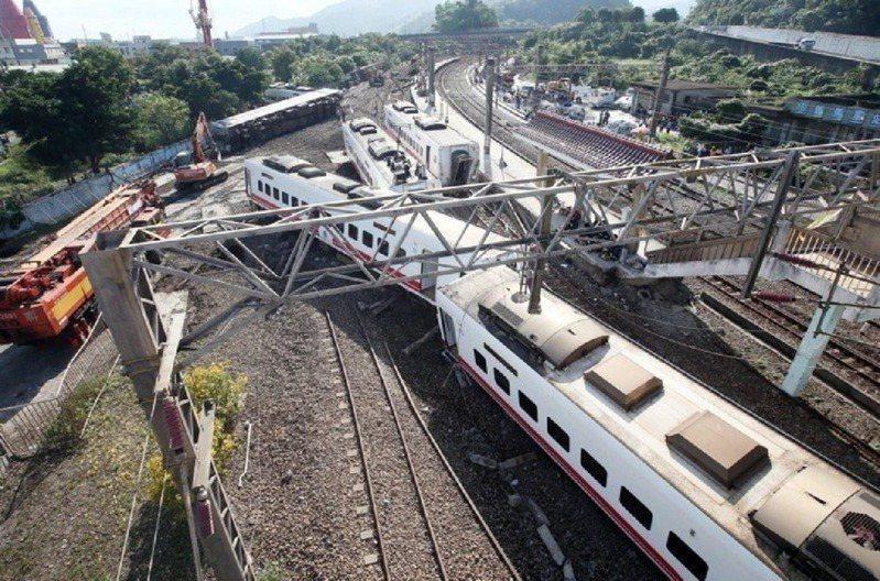 前年10月21日普悠瑪列車翻覆,造成18人死亡、兩百多人受傷。台鐵向車輛供應的立約商、日本住友及應負連帶責任的台灣住友提告求償6.1億。本報資料照片