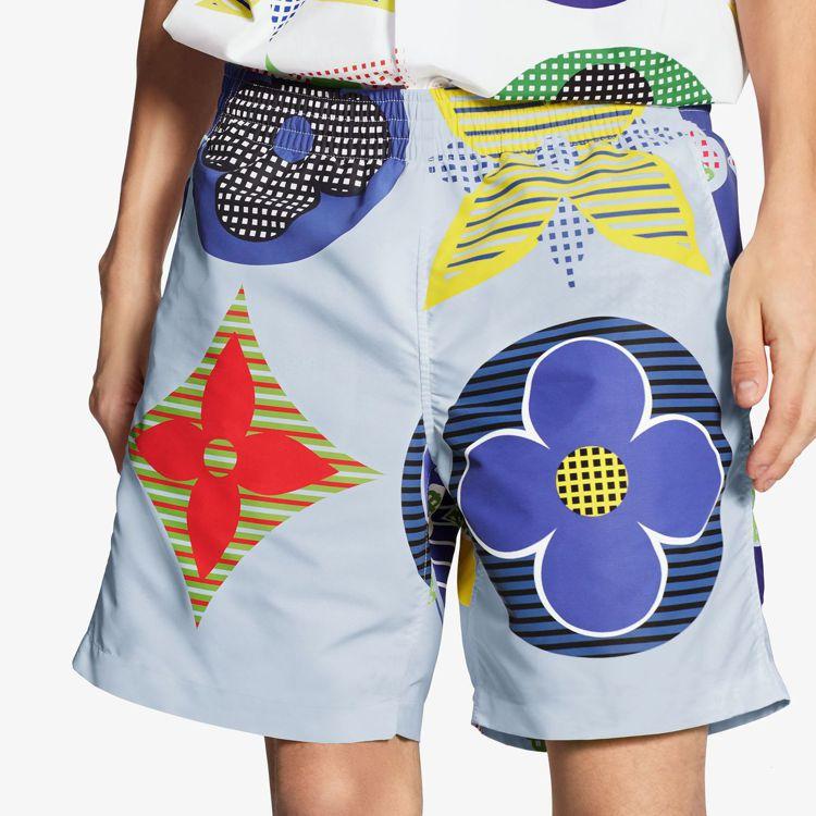 藍、白色系的基調,讓2020夏季路易威登男裝顯得清新舒爽。圖/LV提供