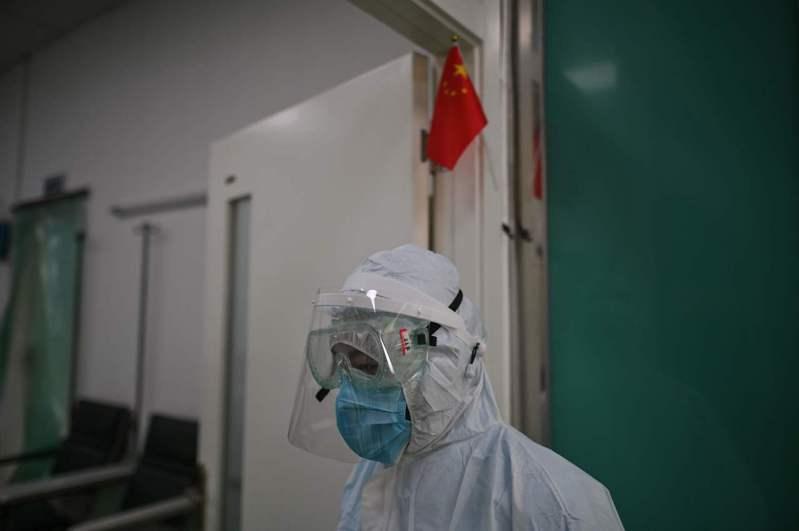 新冠疫情蔓延全球,讓各國紛紛被迫封城,實施嚴格管制,導致經濟大範圍停擺 法新社