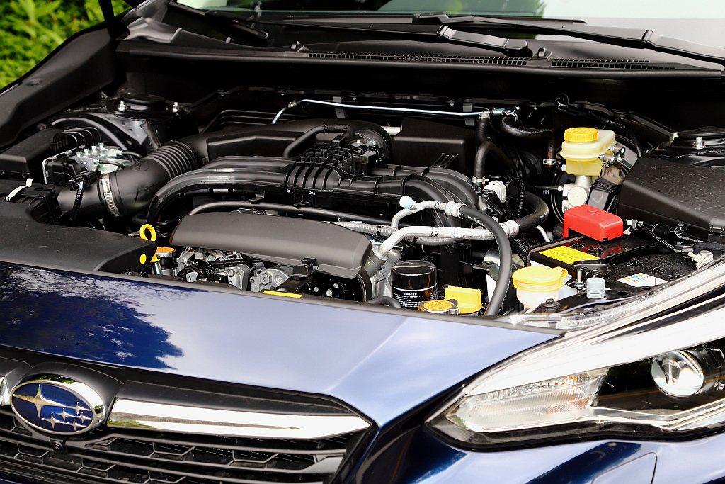 小改款Subaru Impreza搭載1.6L水平對臥四缸自然進氣引擎,具備11...