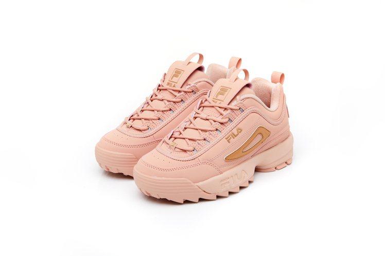 FILA DISRUPTOR II鋸齒鞋3,280元。圖/FILA提供