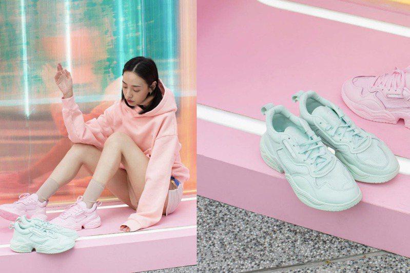 didas Originals的Supercourt RX復古鞋款,這季以粉紅與薄荷綠配色為春夏帶來濃厚的粉嫩氣息。圖/FRUITION提供