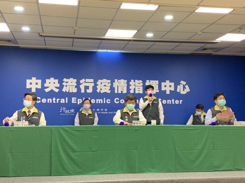 中央流行疫情指揮中心18日表示,海軍艦隊3人染疫,零確診再次被打破。記者陳雨鑫/攝影