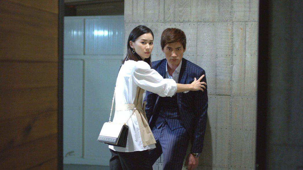 鍾瑶(左)和羅宏正。圖/三立提供