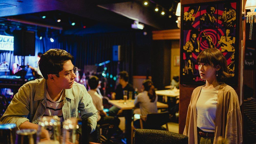 孫可芳(右)、林子閎在「若是一個人」中飾演前男女朋友。圖/華視提供