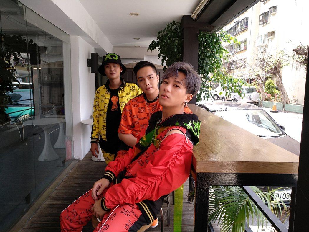 Xunday由西瓜(左起)、秦天和威威組成。圖/尬音樂提供
