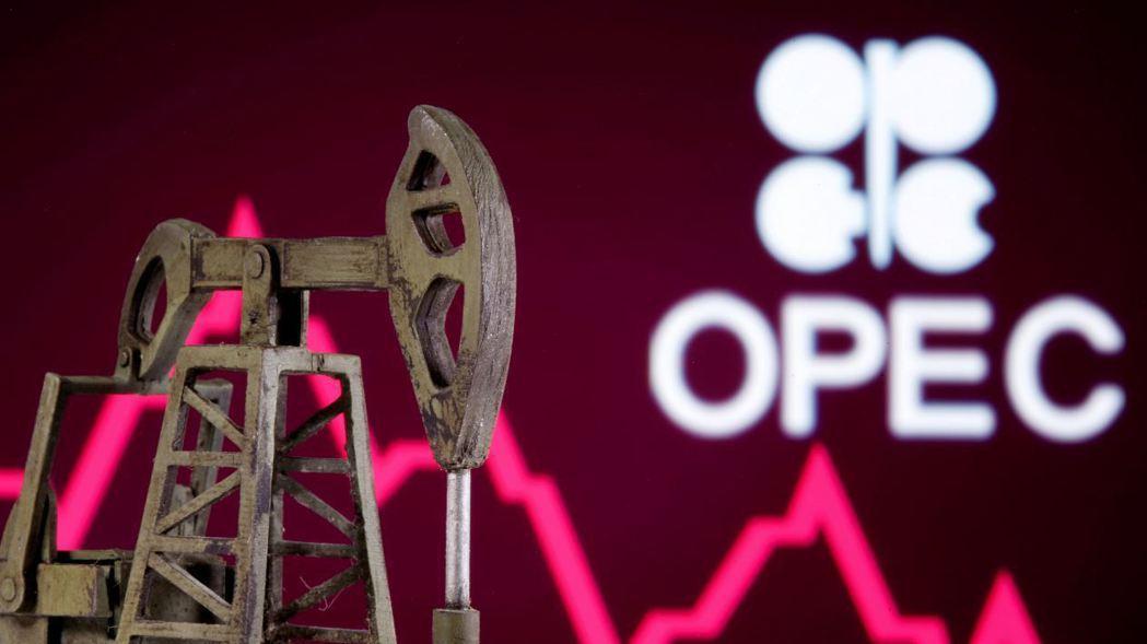 全球產油大國日前達成的減產協議看似偉大,實際上根本是在和稀泥,因此油價繼續探底不...