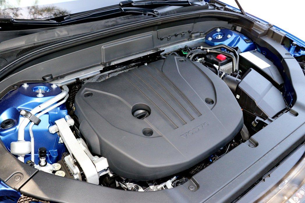VOLVO XC60 B5 R-Design搭載第三代 Drive-E 動力系統...