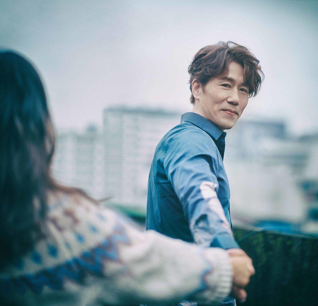 羅時豐推出最新國語專輯「體驗」。圖/海蝶音樂提供