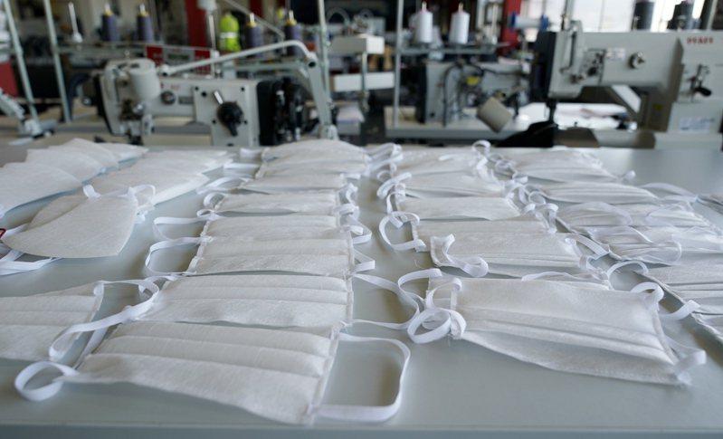 美國今年一、二月寄送價值千萬美元的口罩給大陸。圖/歐新社資料照