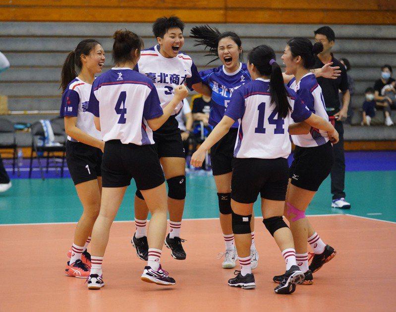 台北商大連兩年打下UVL季軍。圖/大專體育總會提供