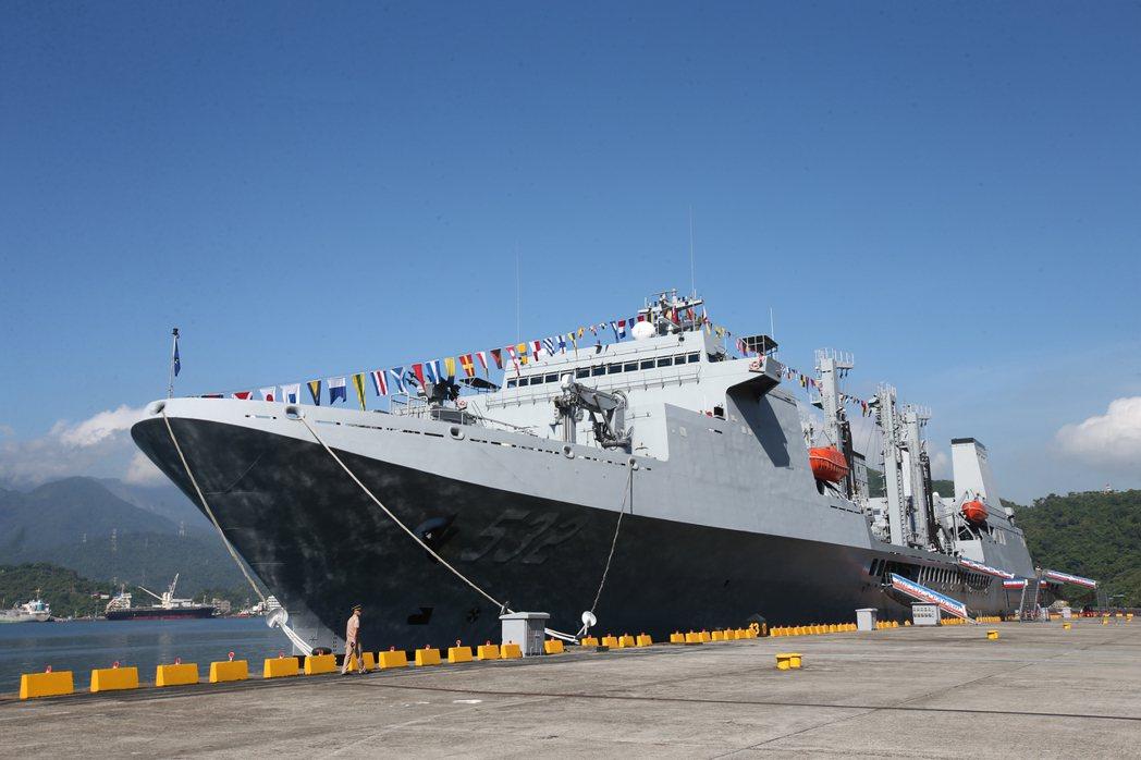 海軍敦睦遠航支隊磐石艦上共有24官兵感染新冠肺炎。 聯合報系資料照