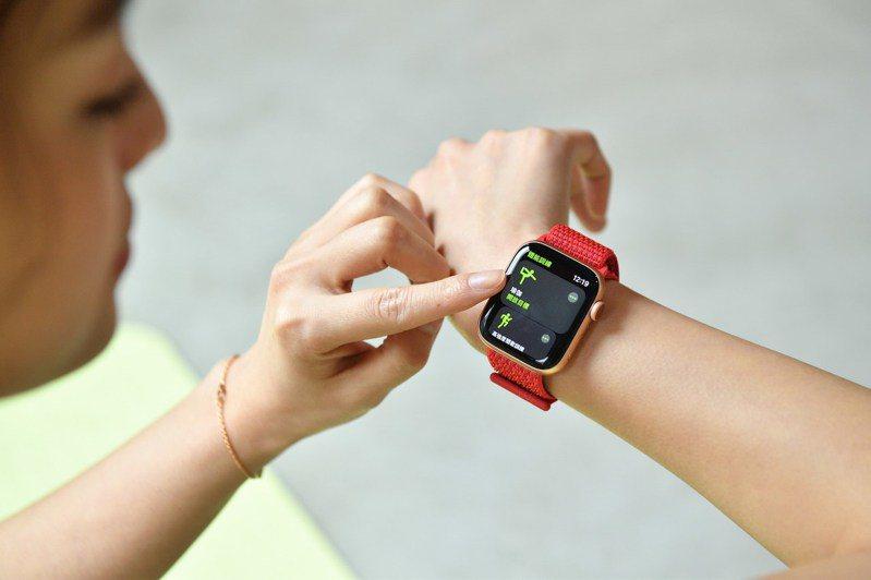 Apple Watch內建多種體能訓練模式,追蹤運動狀況並幫助用戶達成訓練目標。圖/蘋果提供