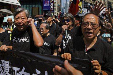 香港418大拘捕:「趁疫打劫」再度激起抗爭?